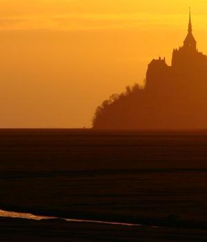 Apus de soare la Mont Saint-Michel