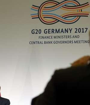 Secretarul Trezoreriei SUA, Steve Mnuchin în timpul conferintei de presa de la Baden-Baden, Germania, 18 martie 2017