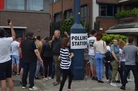 Votare la Barking în estul Londrei