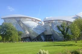 Fundatia Louis Vuitton vàzutà dinspre Jardin d'acclimatation