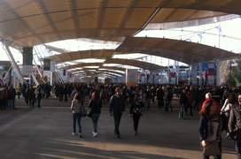 """""""Decuman-ul"""" - aleea principalà a lui Expo 2015 de-a lungul càreia se însiruiau pavilioanele nationale"""