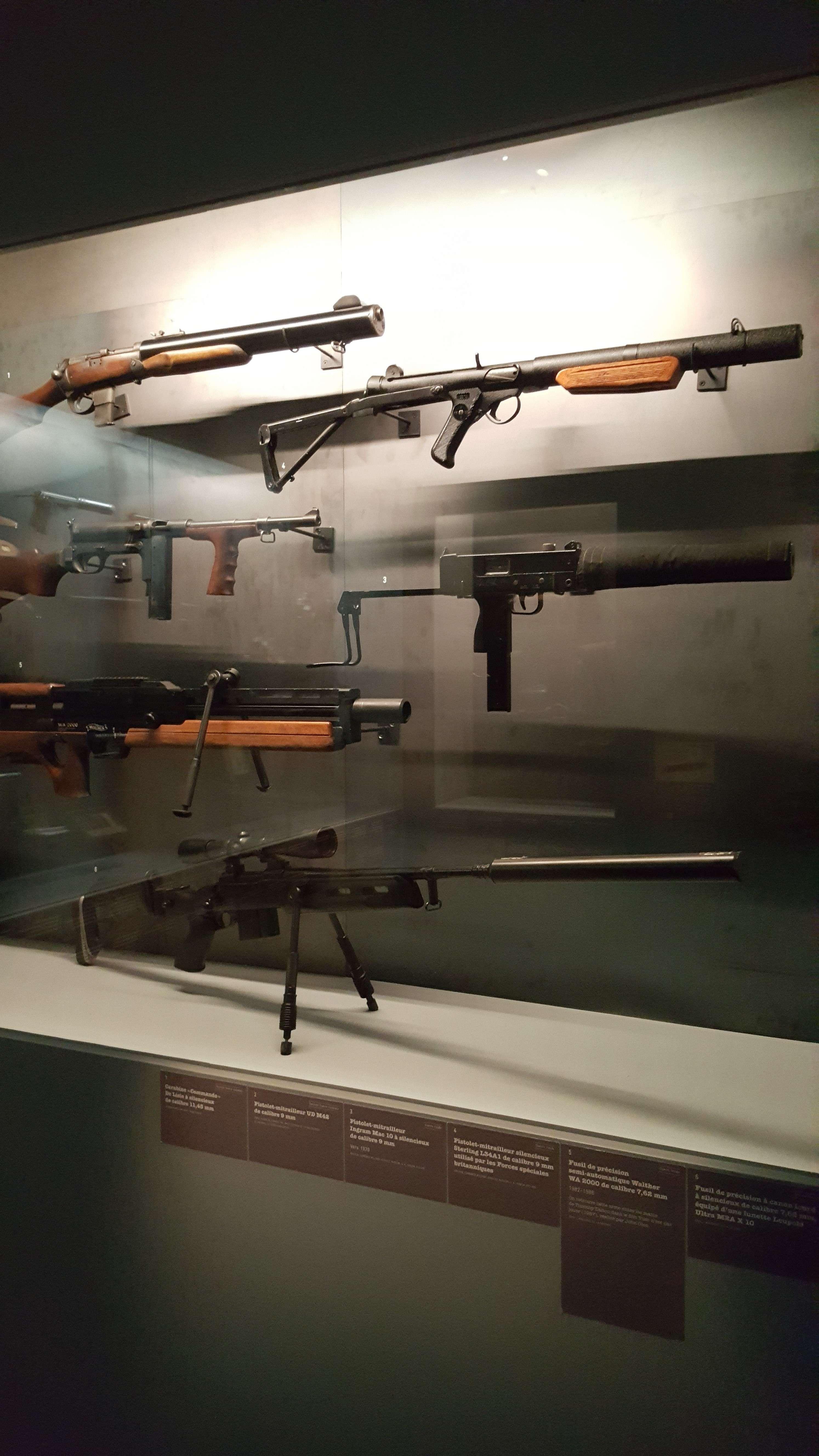 Diverse arme dotate cu sisteme de silentios