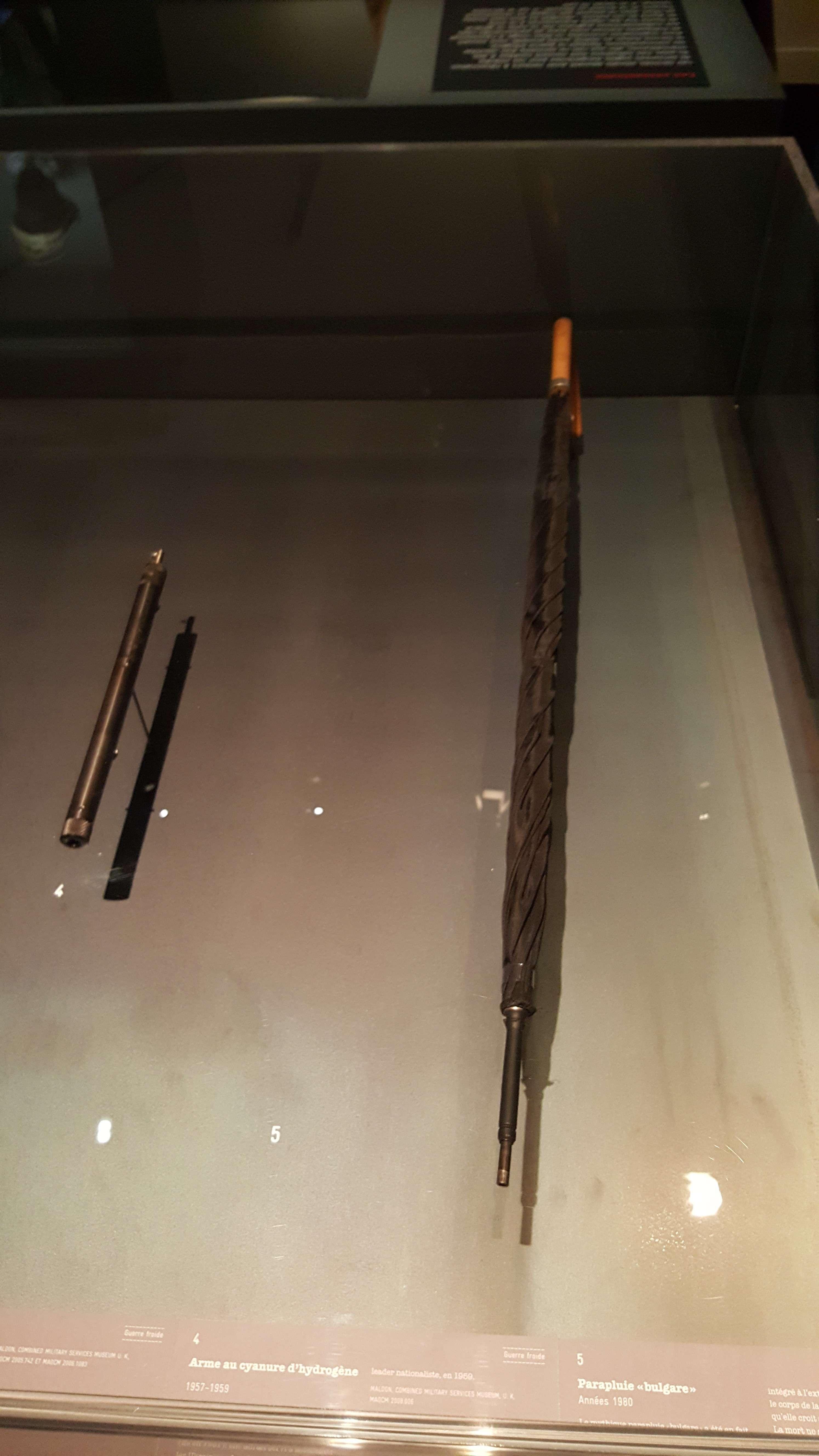 Umbrela bulgàreascà: dupà numele scriitorului bulgar Georgi Markov ucis prin otràvire la Londra cu o astfel de umbrelà-armà