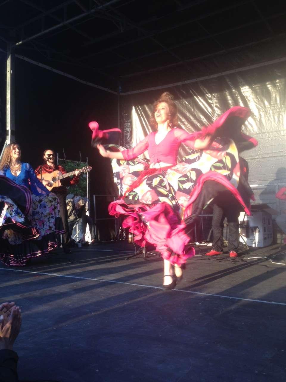 Dansatoare gadje pe scenà