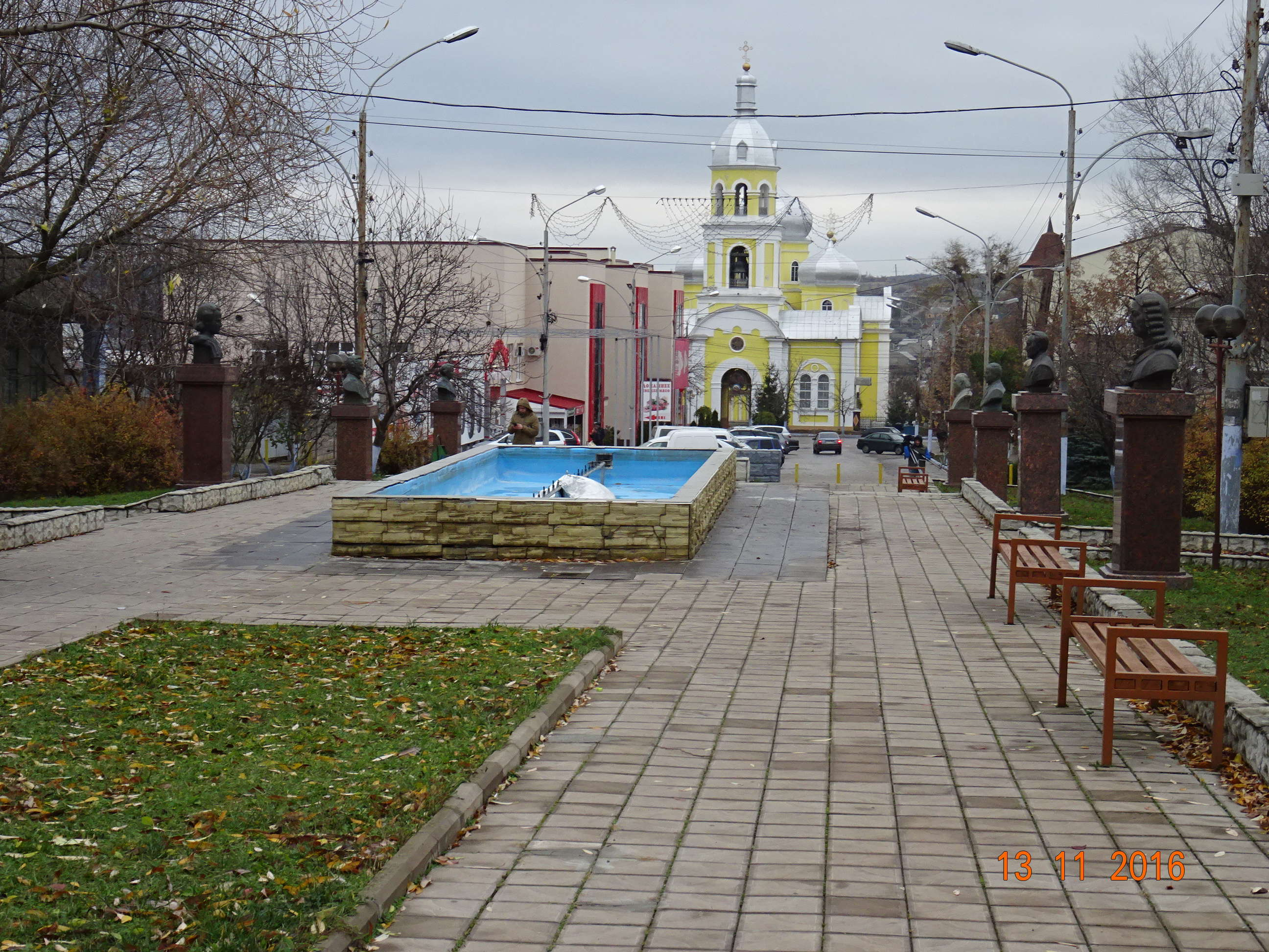 Catedrală ortodoxă din Comrat e o mărturie a creștinismului găgăuzilor care coexistă cu nostalgia pentru URSS