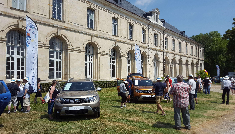 Nu au lipsit nici câteva modele de Dacia de la aceastà întâlnire festivà