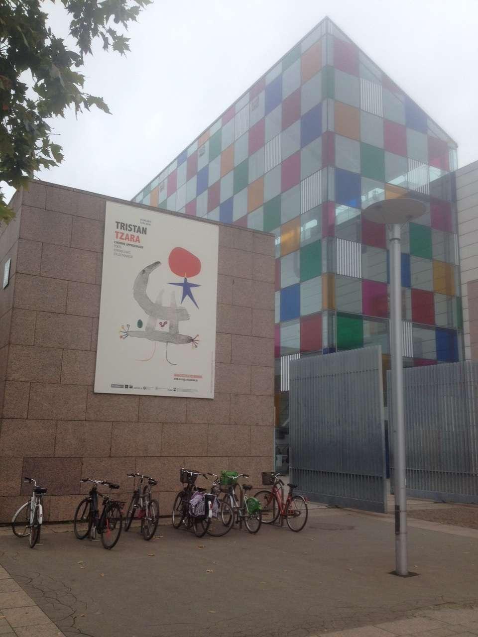 Intrarea la Muzeul de artà modernà si contemporanà din Strasbourg (MAMCS) care gàzduieste prima expozitie dedicatà lui Tristan Tzara