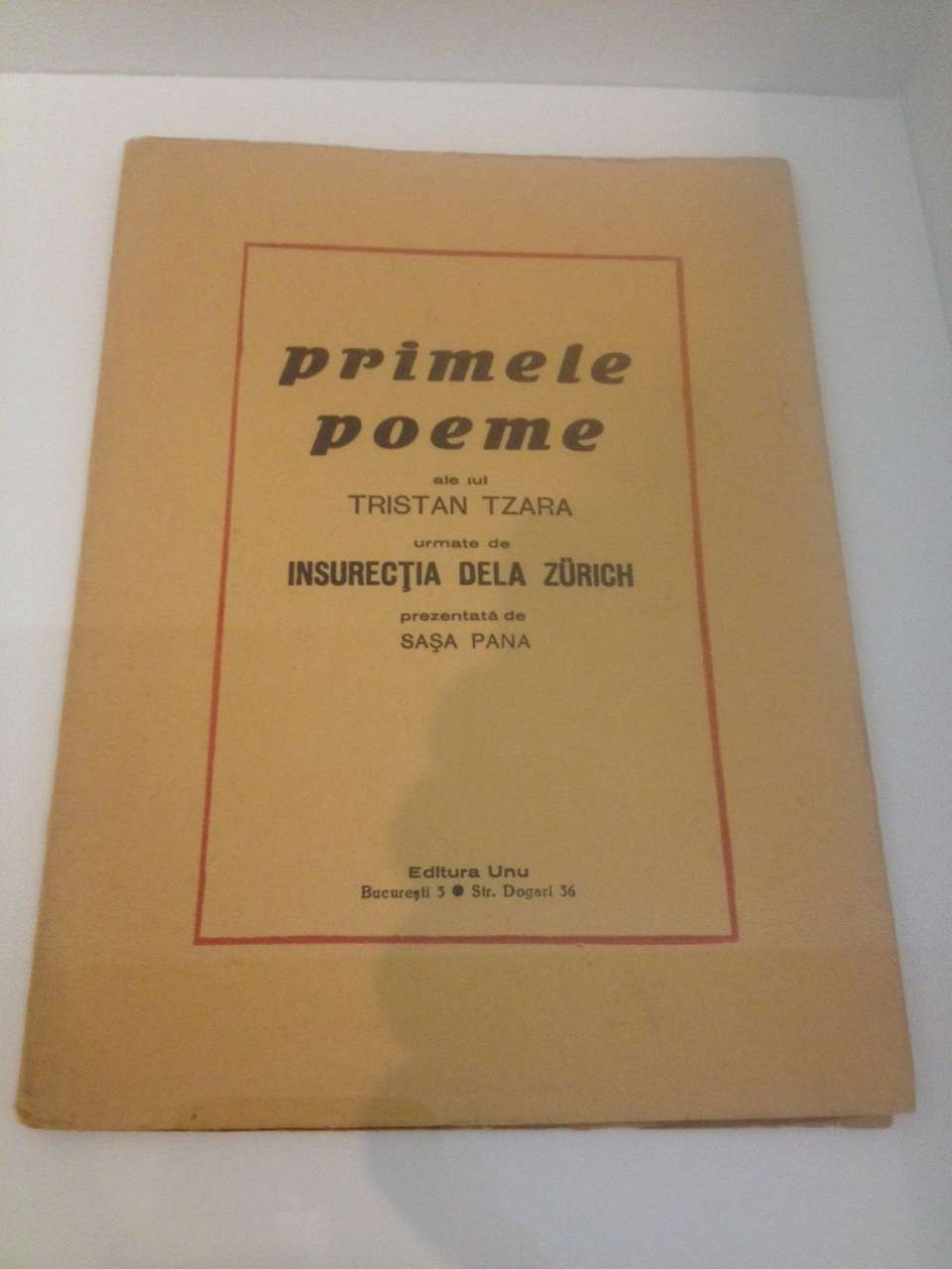 """""""Primele poeme"""" ale lui Tristan Tzara"""