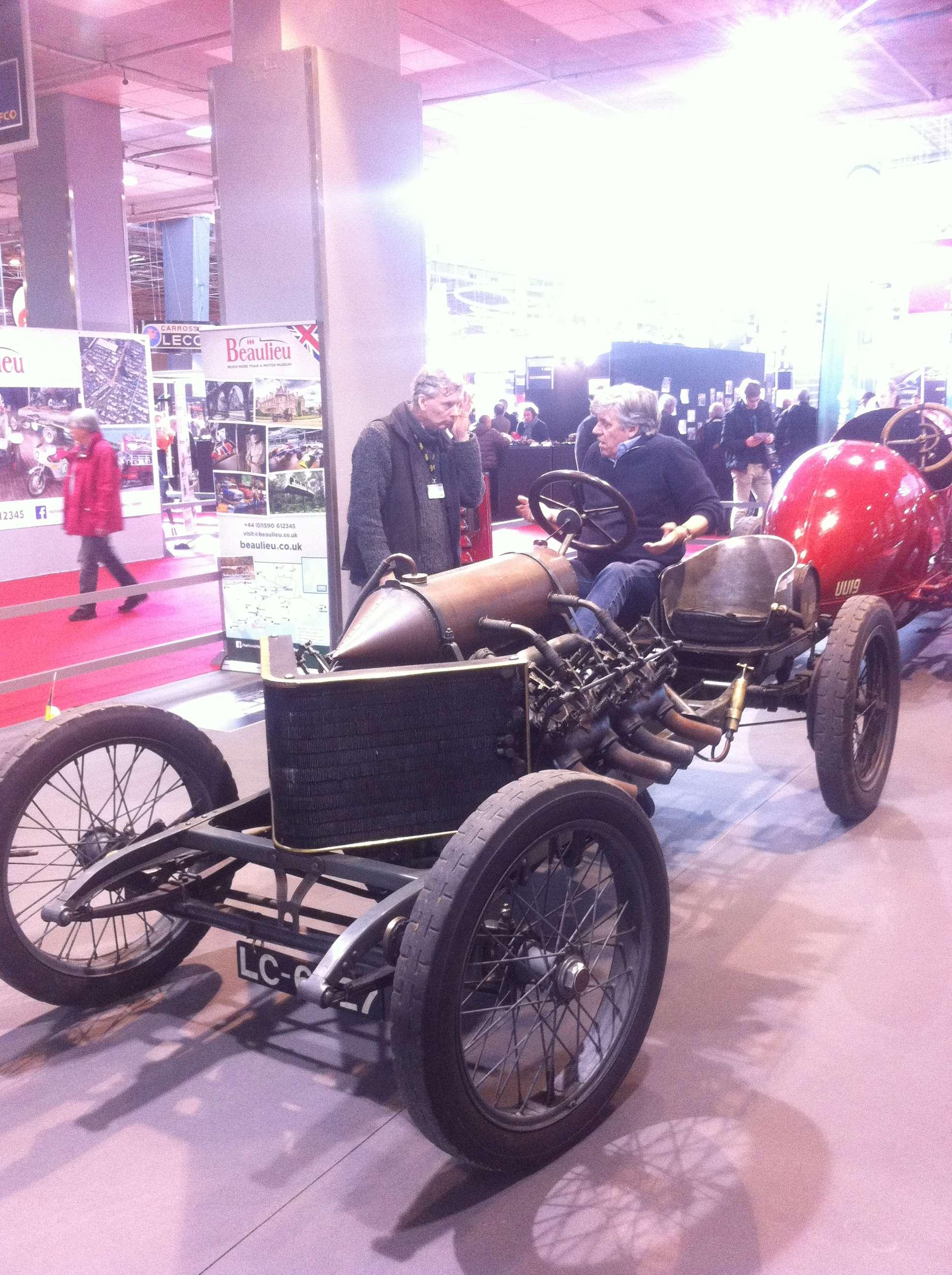 Darracq V, prima masinà care s-a apropiat de pragul celor 200 km/h (197 în 1906!)