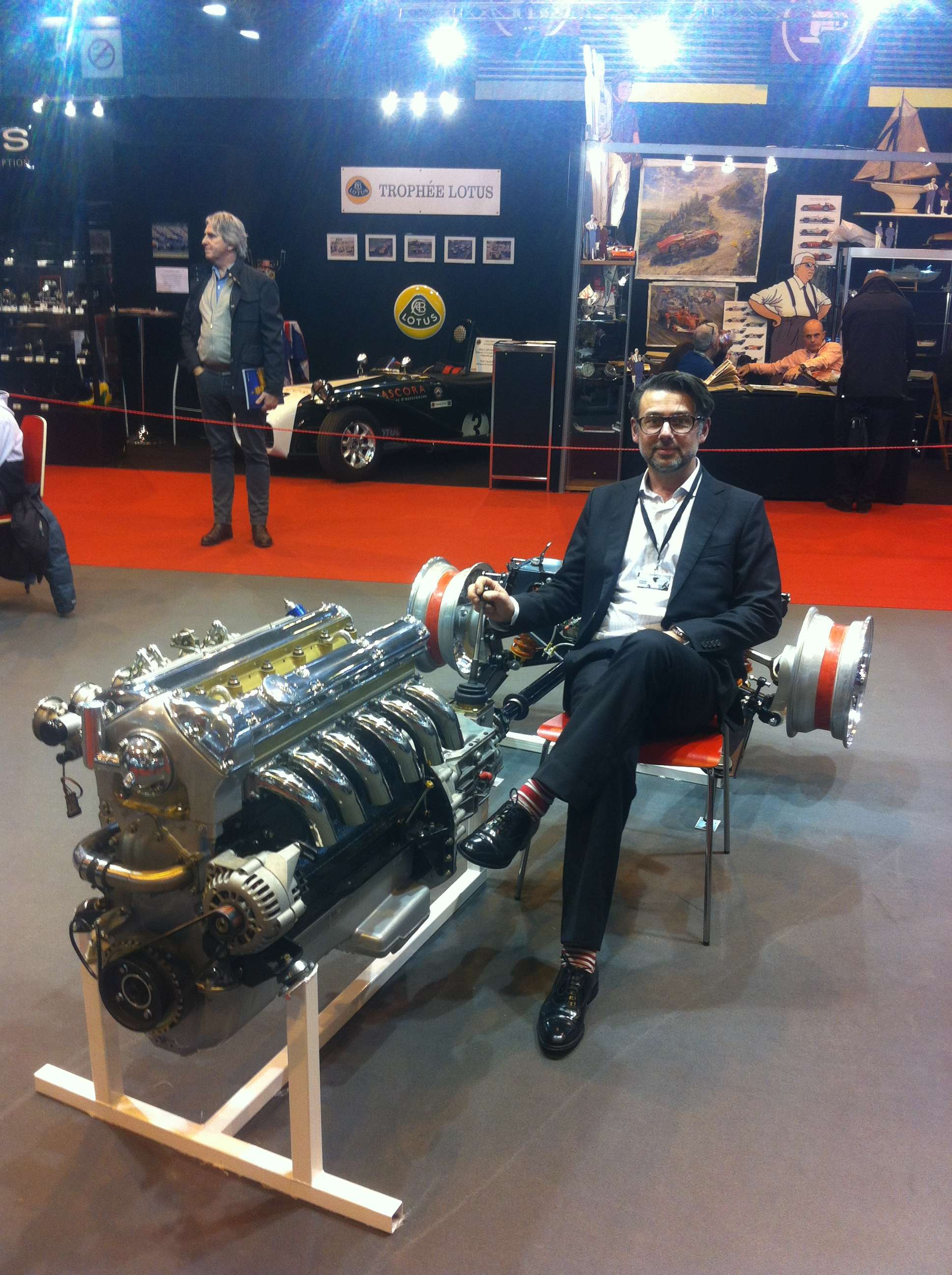 """Un """"schelet"""" de Jaguar (motor, transmisie si sasiu spate) restaurat de echipa lui Corneliu Nàstase"""