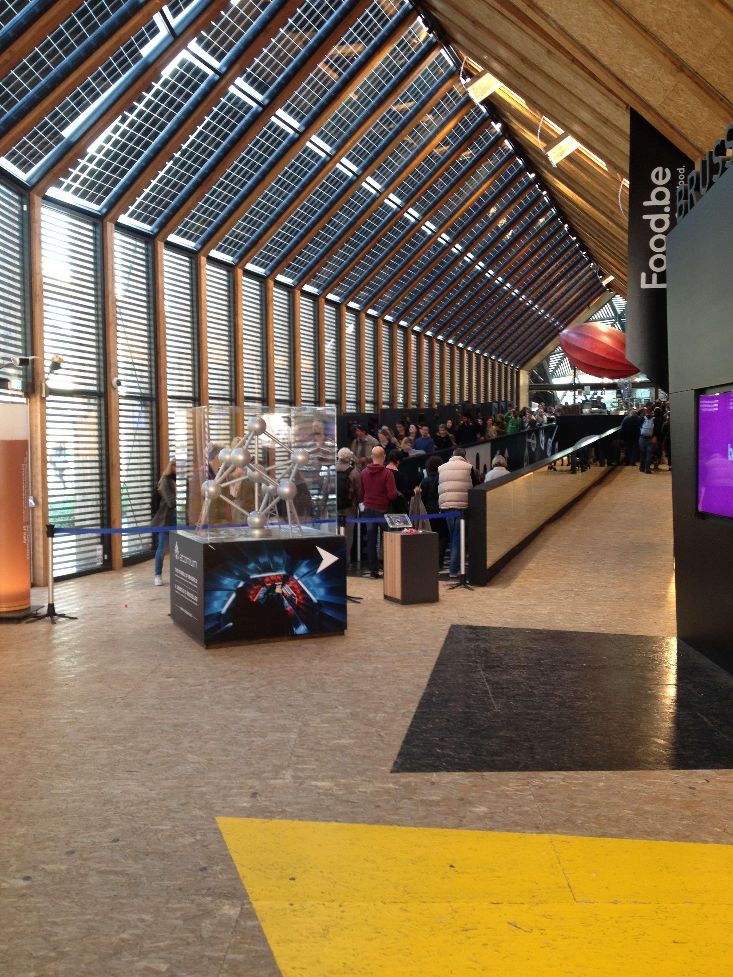 Intrarea în pavilionul Belgiei