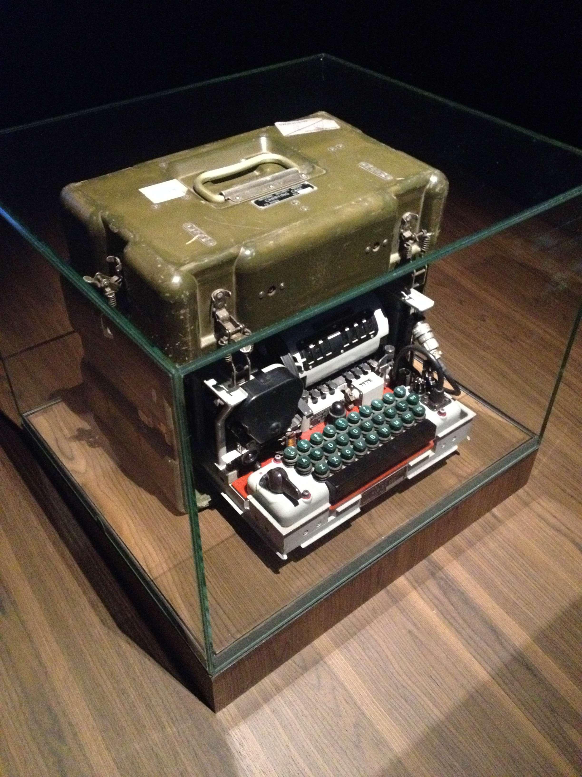 Masinà de codificat mesaje folosità de tàrile NATO între 1950 si 1980