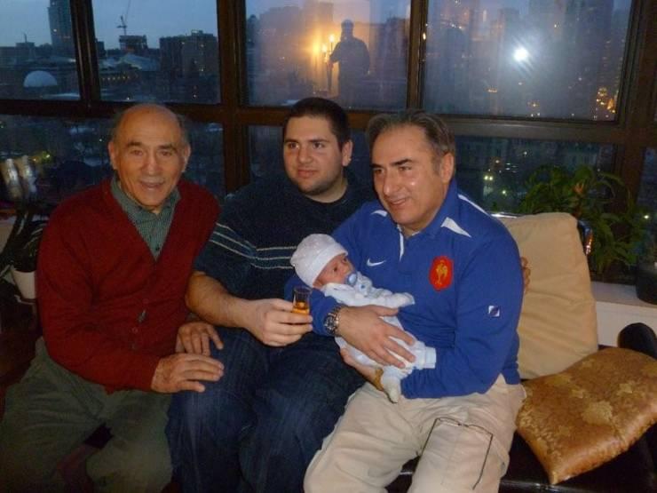 Patru generații ale familiei Teofilovici