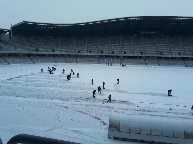 Terenul înzăpezit pe Cluj Arena