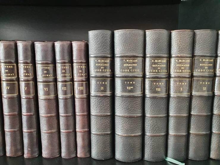 """Editie a """"Explicatilor Codului Civil"""" francez de V. Marcadé aflate în biblioteca prof. univ. Mircea Dan Bob."""