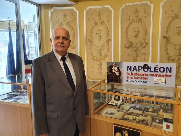 Colonelul (ret.) dr.ing. Alexandrul Mihalcea este directorul Bibliotecii militare naţionale.