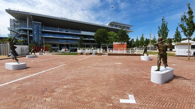 Piata Muschetarilor, în memoria celor 4 tenismeni francezi care au marcat sportul în anii 1920-1930.