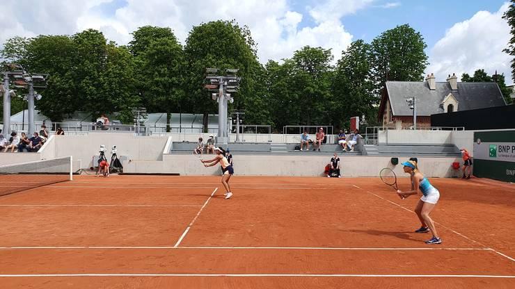 Raluca Olaru și Nadiia Kișenok le-au învins în 3 seturi pe Arina Rodionova și Liudmila Kișenok