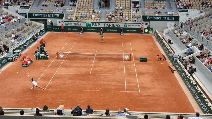 Serena Williams a învins-o pe Mihaela Buzàrnescu în trei seturi.