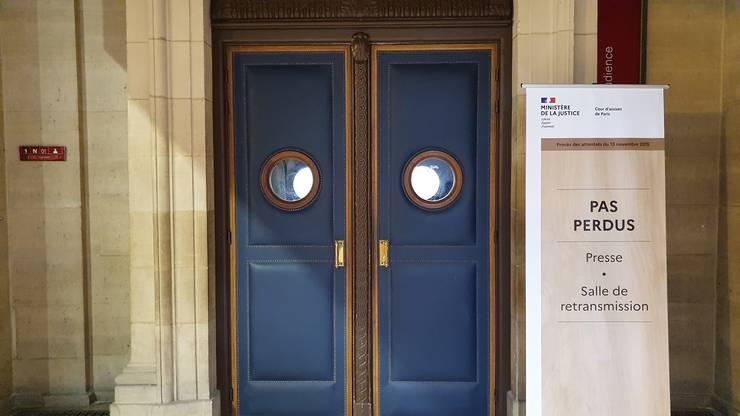 """Intrarea în sala """"des criées"""" rezervatà jurnalistilor acreditati."""