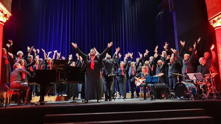Melodia Joyful, Joyful a pus capàt concertului dat de Ansamblul Crescendo în Sala Bizantinà.