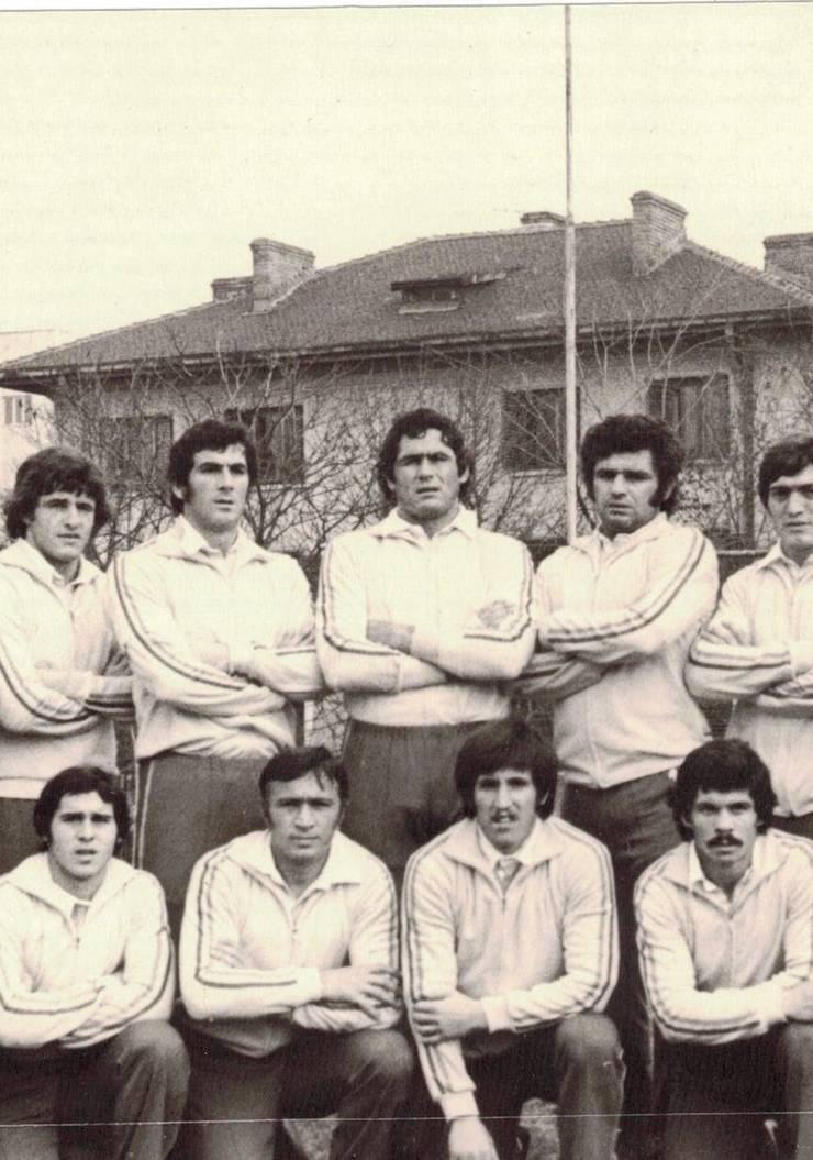 Căpitanul Gogu Nica cu Paraschiv, Bucos, Varga, Stoica, Pintea, Dărăban, Mușat (rezervă) și Murariu