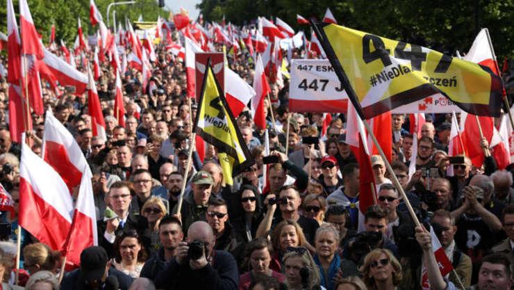 Demonstrație a extremei drepte la Varșovia