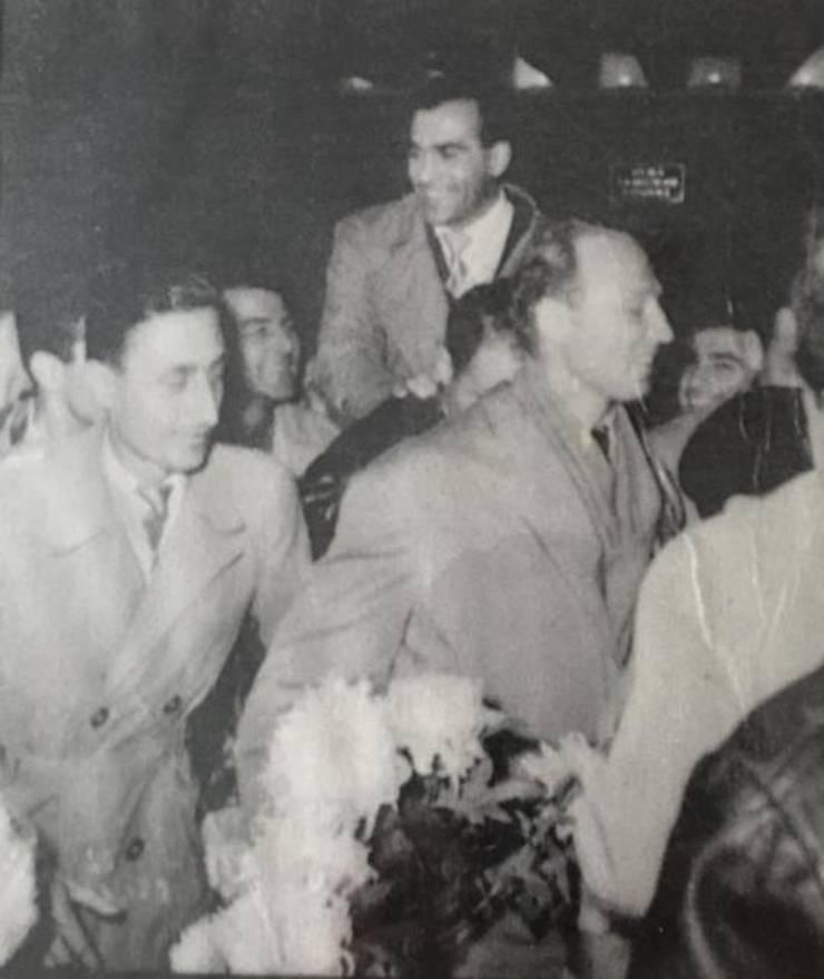 Teofilovici și echipa națională pe aeroportul Băneasa,1961