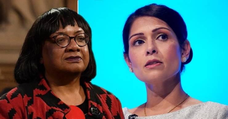 Diane Abbott (stânga) și Priti Patel