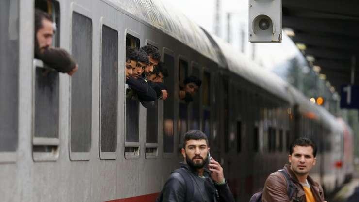 Un tren cu migranti ajunge într-o garà din Germania pe 28 septembrie 2015