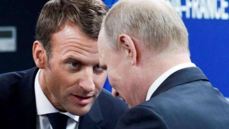 Emmanuel Macron şi Vladimir Putin la Sankt Petersburg în mai 2018.
