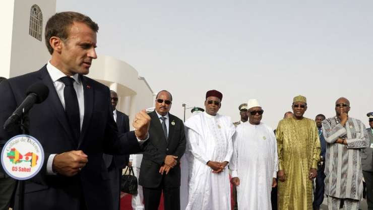 Preşedintele Emmanuel Macron la întîlnirea cu grupul G5 Sahel de la Nuakchott.