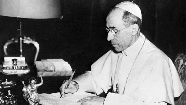 """Papa Pius XII personaj în filmul """"Shades of Truth"""", realizat de Liana Marabini care reabilitează  figura pontifului"""
