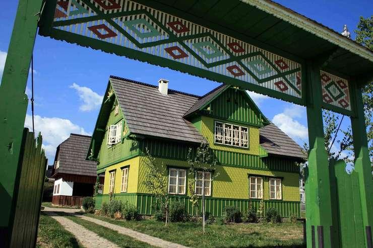 Casa cu Cerbi, Sucevita, Bucovina