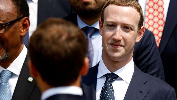 Mark Zuckerberg, creatorul Facebook-ului, în conversaţie cu preşedintele francez Emmanuel Macron la summitul noilor tehnologii de la Paris, 23.05.2018