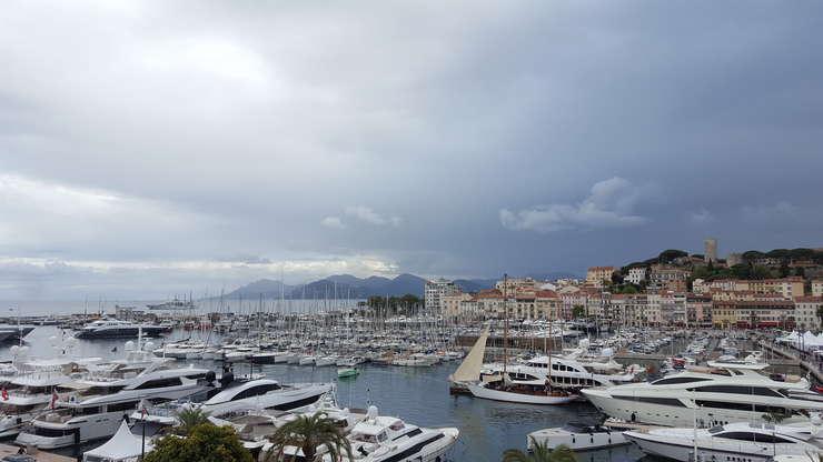 Duminicà si luni, nori negri au amenintat Festivalul de la Cannes