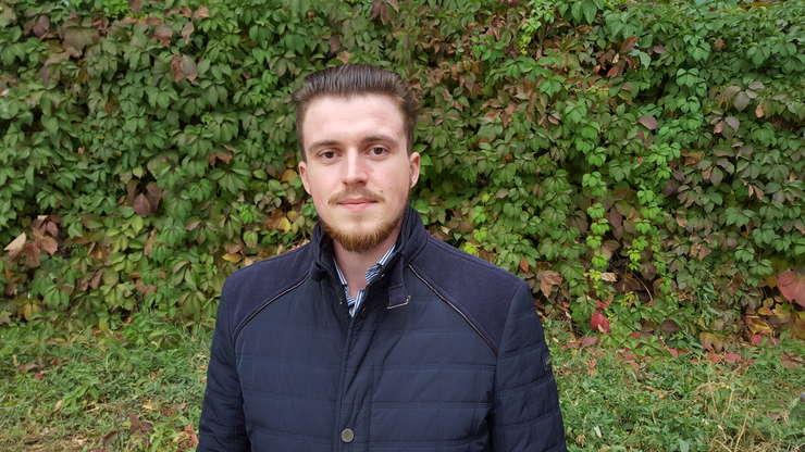 """George Damian, originar din Botosani, stabilit de 5 ani la Erevan, a studiat mai întâi teologia în Armenia înainte de a """"trece"""" la psihologie"""