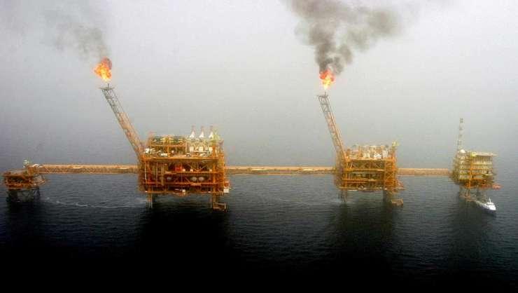Plaforma petrolieră iraniană de la Soroush, în Golful Persic.