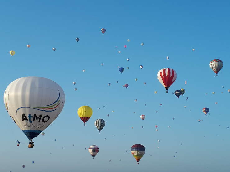 Sute de baloane decoleazà de douà ori pe zi la GEMAB (dacà conditiile meteo o permit)