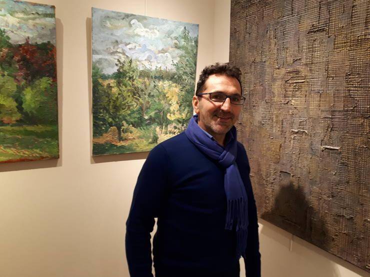 Paul Amarica în galeria care-i poartà numele la Paris, nu departe de Champs-Elysées