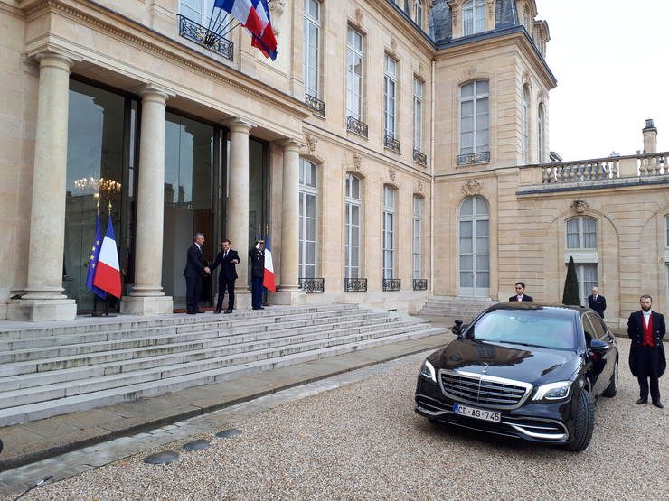 Emmanuel Macron, presedintele Frantei, si Jens Stoltenberg, secretarul general NATO, la Palatul Elysée, 28 noiembrie 2019