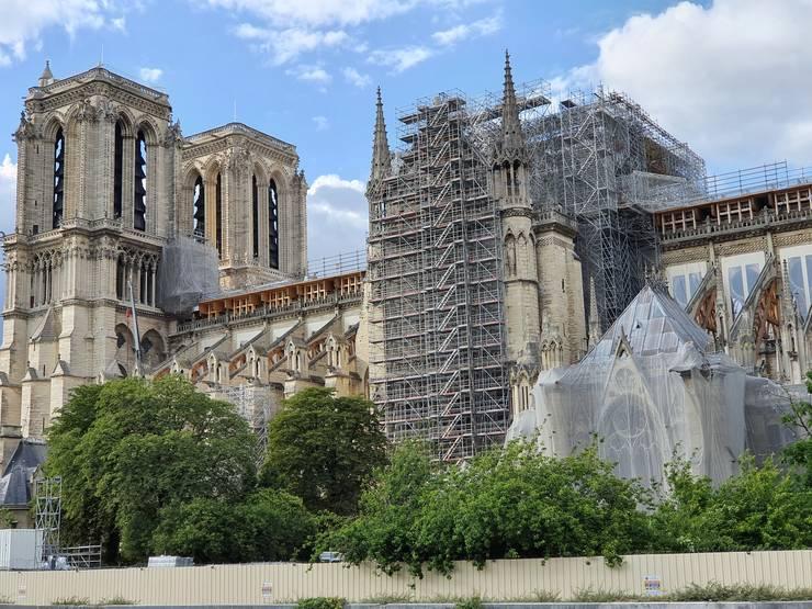Demontarea uriasei schele de pe acoperisul catedralei Notre-Dame începe luni, 8 iuni 2020