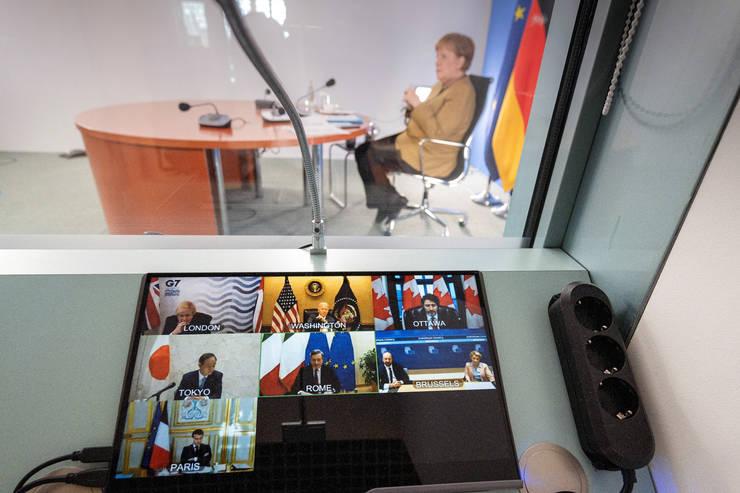 Cancelarul german Angela Merkel in timpul unui summit virtual cu liderii G7