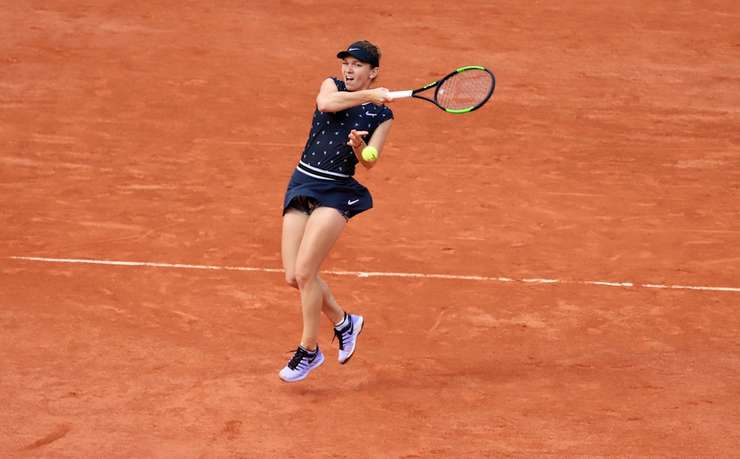 Simona Halep a învins-o în doar 45 de minute pe poloneza Iga Swiatek si s-a calificat în sferturile de finalà ale turneului de la Roland-Garros