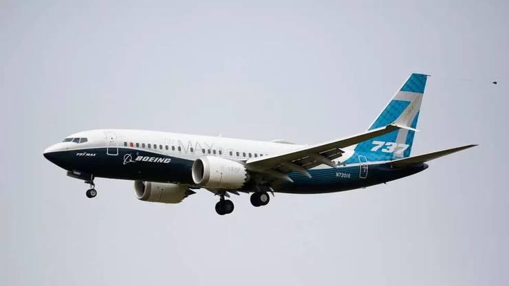 Inainte de a vedea din nou un Boieng 737 MAX pe cer, pilotii trebuie sà fie autorizati de Agentia federalà a aviatiei americane (FAA).
