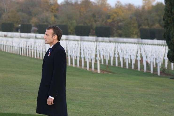 Emmanuel Macron vizitînd un cimitir militar din regiunea Verdun, 6 noiembrie 2018