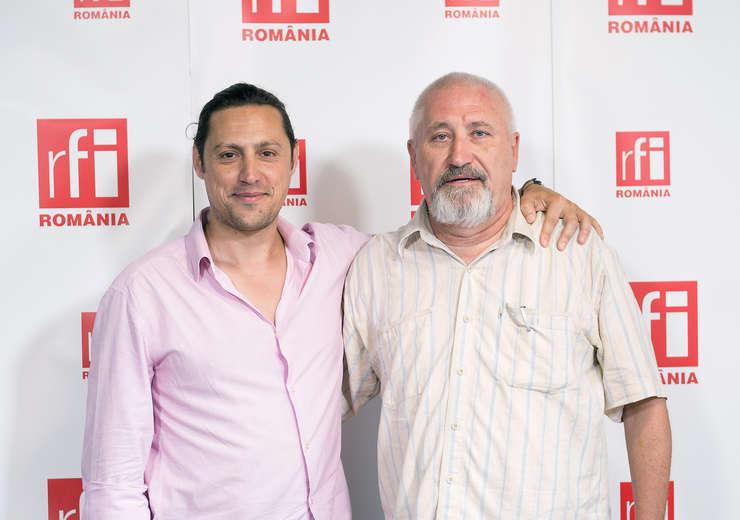 Dan Pavel și Cristian Troncotă in studioul RFI Romania