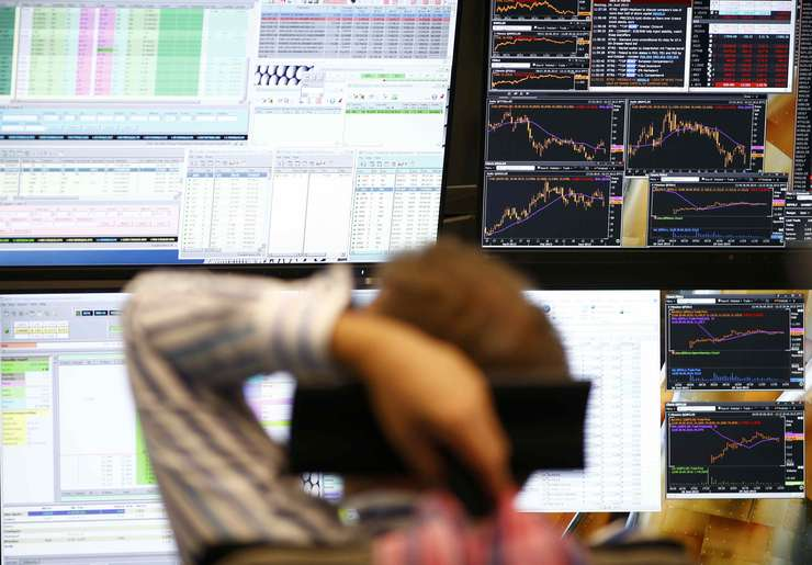 Bursele europene suferă, din cauza crizei din Grecia (Foto: Reuters/Ralph Orlowski)