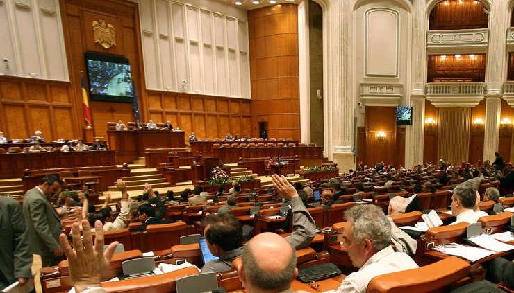 Moţiunea de cenzură împotriva Guvernului Grindeanu va fi votată miercuri, de la ora 11