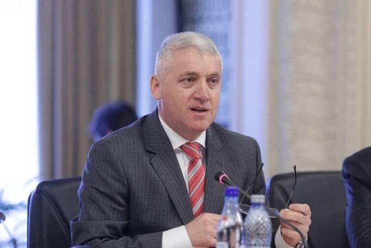 Adrian Țuțuianu crede că PSD a greșit în scandalul sloganului USR PLUS (Sursa foto: Facebook/Adrian Țuțuianu)